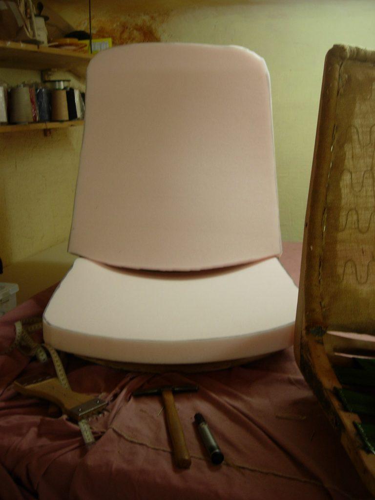 recouvrir la mousse du fauteuil